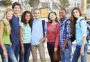 Eine Gruppe junger Schüler