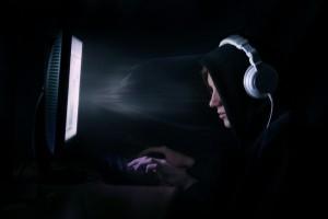 Jugend gefangen im Netz: Studie enthüllt Internetsucht bei Kindern