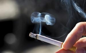 Arbeitsrecht: Urteil zu Zigarettenqualm am Arbeitsplatz
